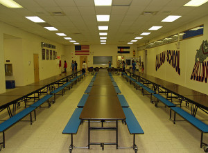 800px-Calhan_Colorado_High_School_Cafeteria_by_David_Shankbone