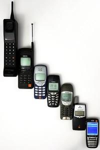 400px-Mobile_phone_evolution