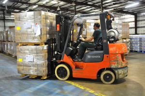800px-FEMA_-_37931_-_Meals_Ready_to_Eat_being_moved_by_fork_lift_in_a_Texas_warehouse