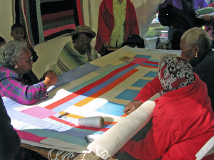 800px-Gee's_Bend_quilting_bee