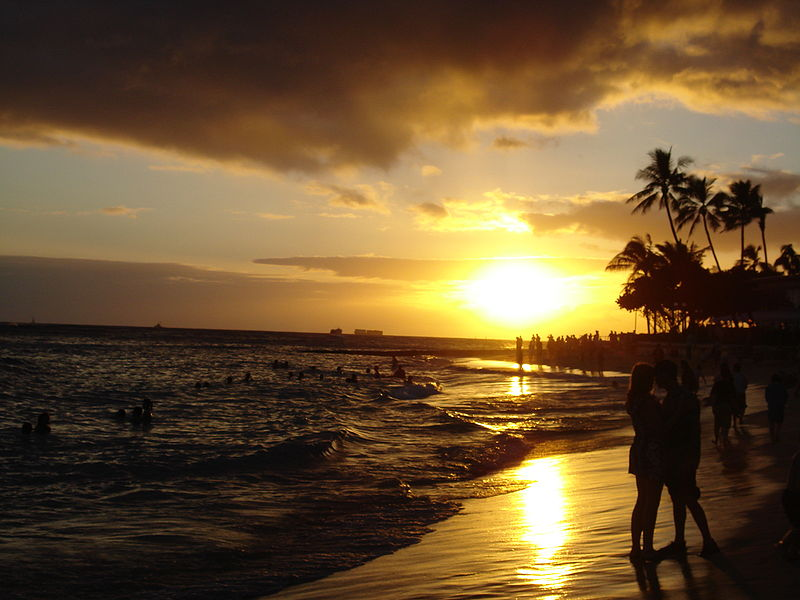 800px-waikiki_beach_at_sunset.jpg